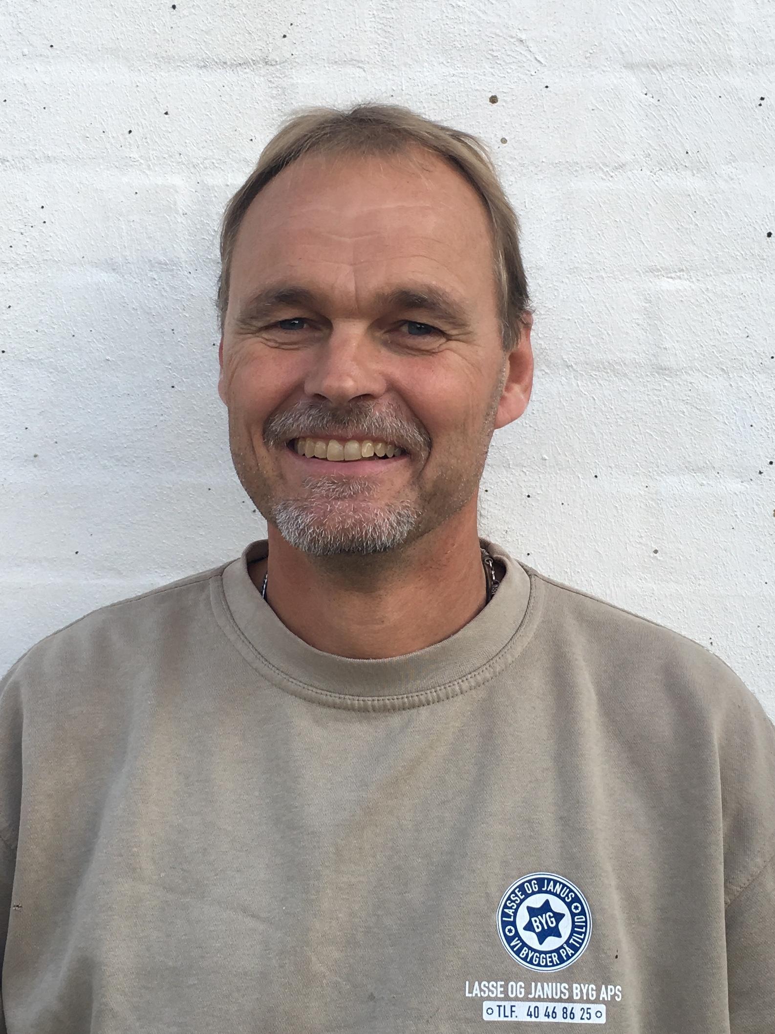 Glen Thornberg, Tømrer